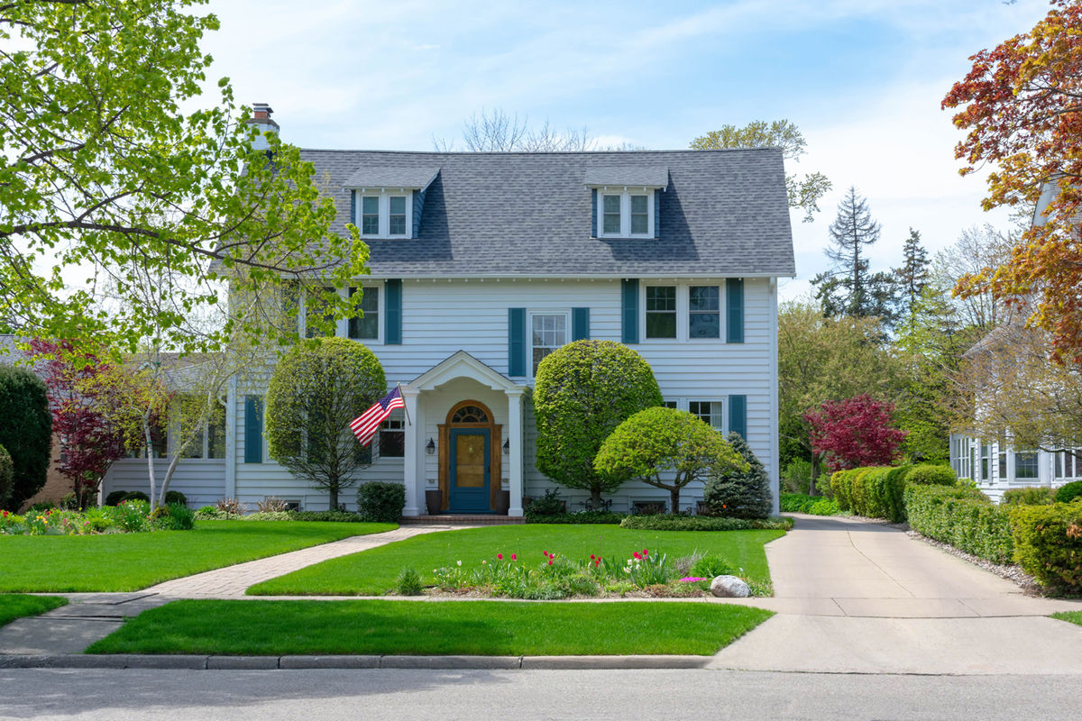 Whether you're putting your home on the market or just want to make it look more inviting, these house improvements can boost the curb appeal of your home big time.