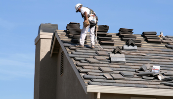 Ask a General Contractor: When is it Time to Re-Roof?