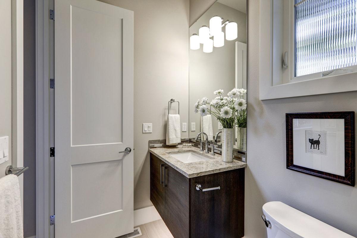 7 design tips for better small bathroom renovations