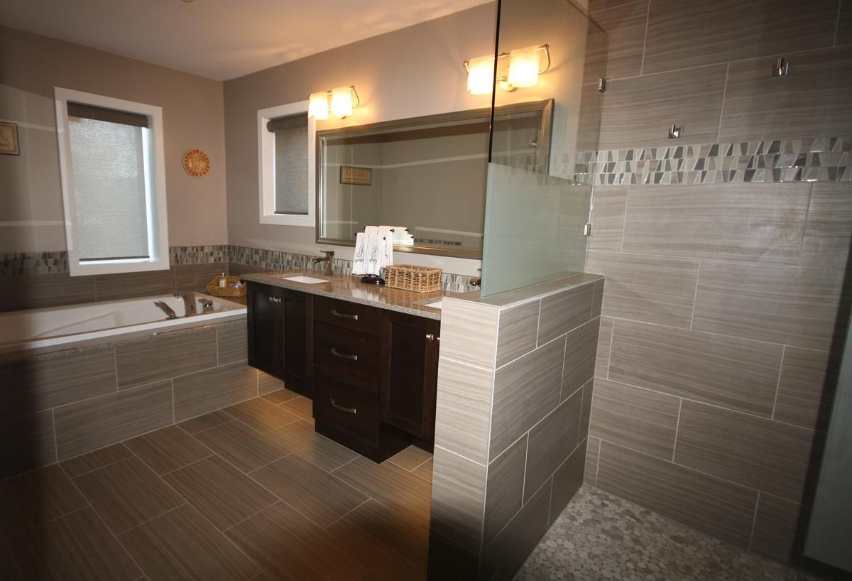 Kelowna homeowners can add a modern, clean touch with a full bathroom remodel.